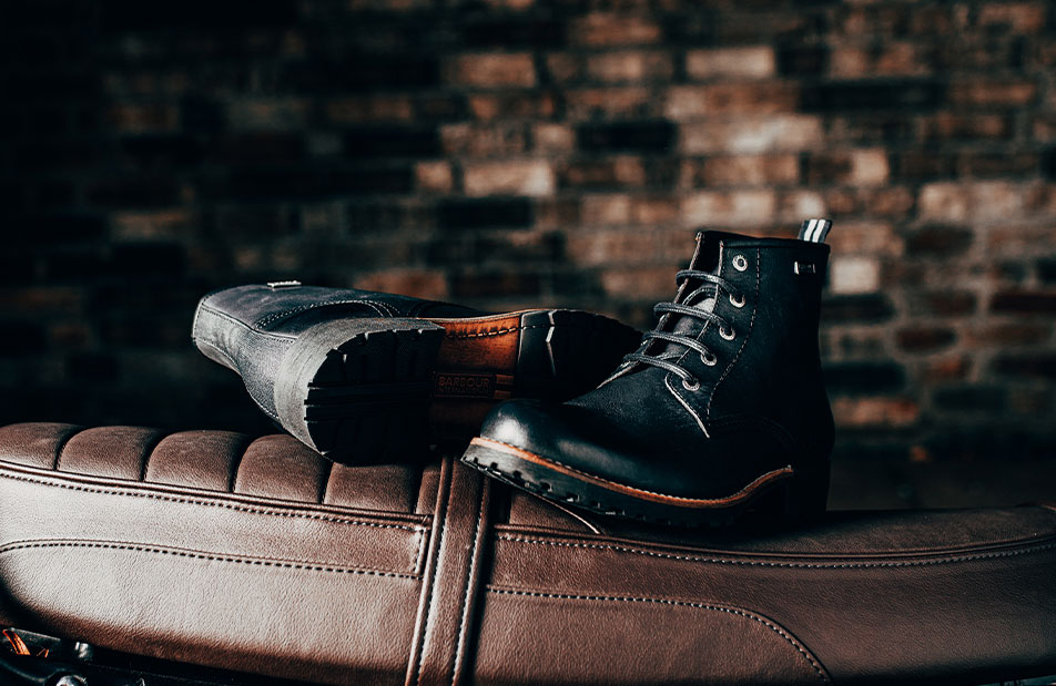 Background image for DISCOVER FOOTWEAR